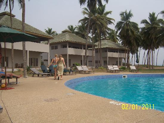 Elmina Bay Resort: All Units facing the pool&ocean