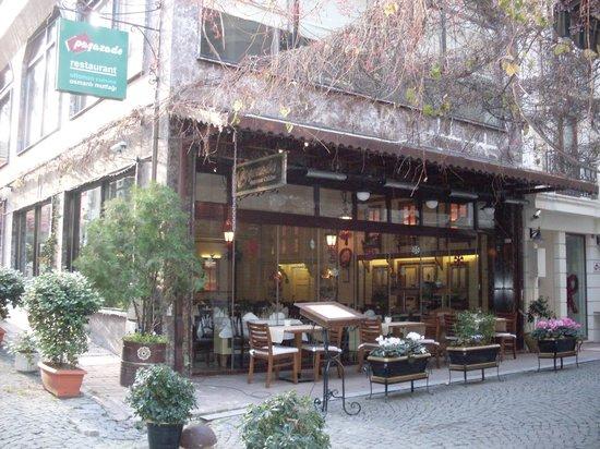 Pasazade Restaurant Ottoman Cuisine: Ingresso del locale