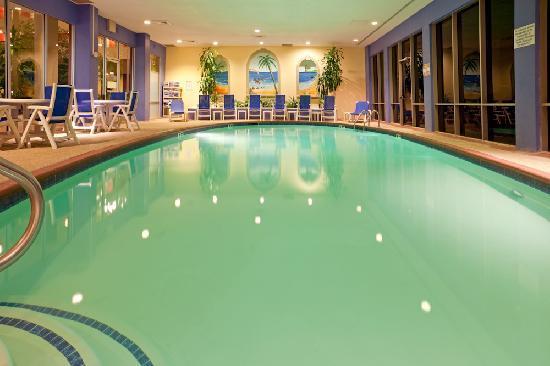 Crowne Plaza Arlington : Pool