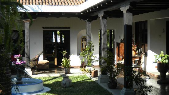 La Casa de Don Pedro: Lovely courtyard