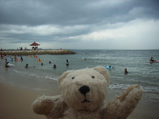Nusa Dua Beach: ビーチはこんな感じ。