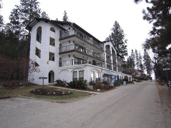 Lake Okanagan Resort: kinda' Bavarian themed older units