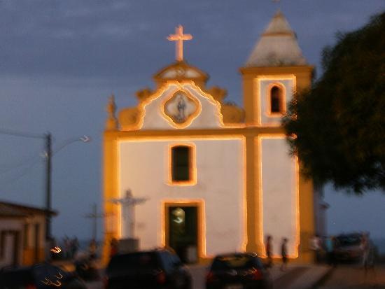 Pousada Tubarao: Igreja linda na rua da pousada