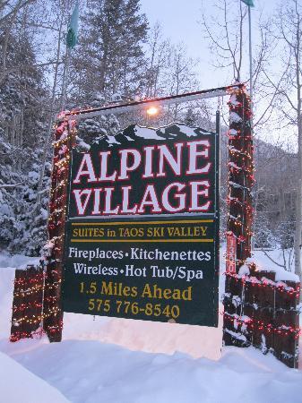 Alpine Village Suites : All Alpine Village studios are at Cottam's Lodge.