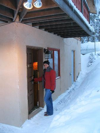 Alpine Village Suites : Studio D entrance - note large window by door.