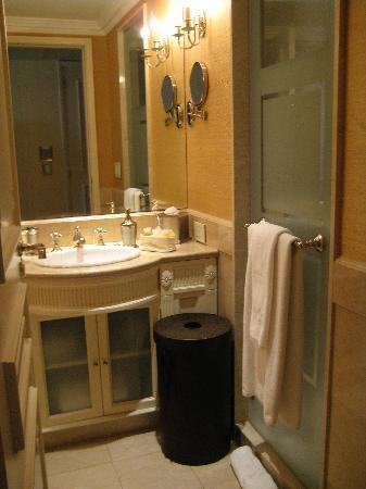 Hotel Sainte Jeanne: Bathroom