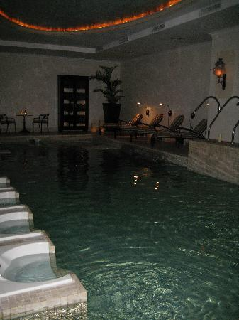Hotel Sainte Jeanne: Indoor pool