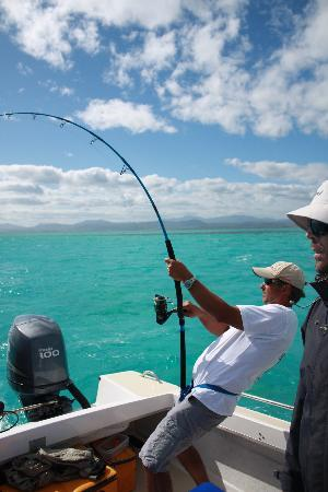 Bourail, Nueva Caledonia: GT Fishing in blue lagoon
