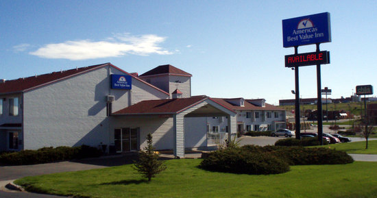 Americas Best Value Inn : Easy access from Interstate 90