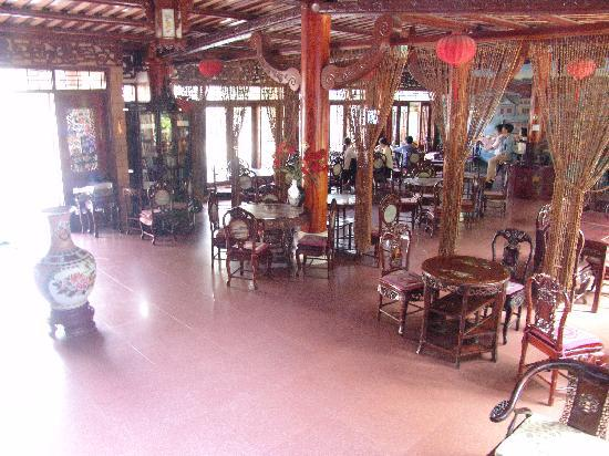 Thanh Binh III Hotel: The chinese teahouse theme