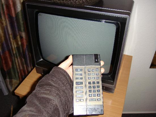 Hotel Baeren : Old but working TV.  According to the notes on the remote there was supposed to be a couple of c