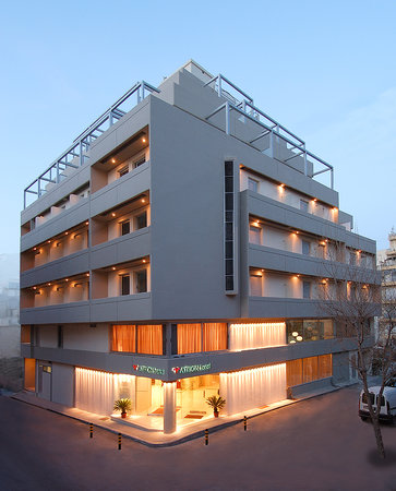 Atrion Hotel: Facade