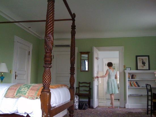 The Inn at Hudson: Our Room