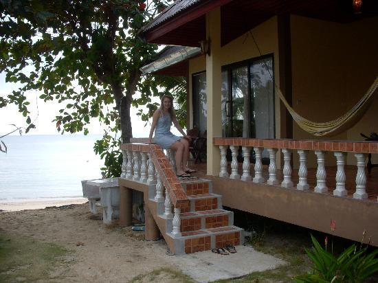 Jungle Hut Bungalow and Hotel: app B9