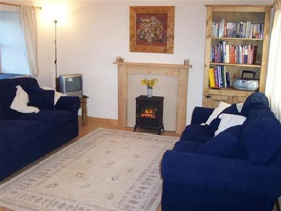 Old Hall Cottage: Cottage Lounge