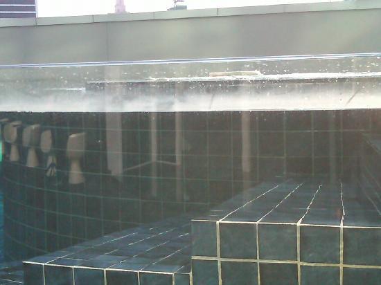 S31 Sukhumvit Hotel: More film around pool edge