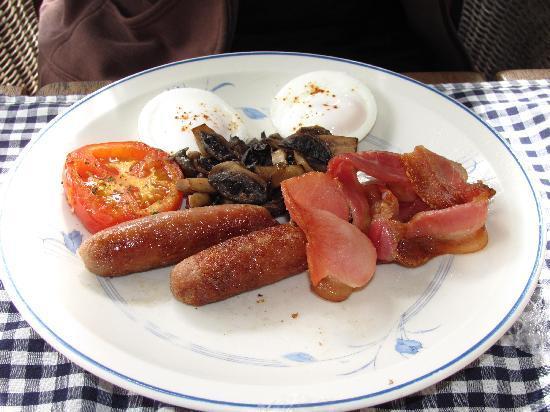 Diamondvale B&B Cottages: Hot breakfast every morning