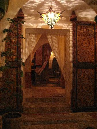 Riad les Inseparables: view throught eh gound floor of riad