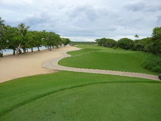 InterContinental Fiji Golf Resort & Spa: the 4th hole - take a quick dip