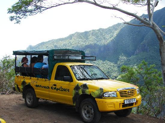 Moorea Explorer: Jeep