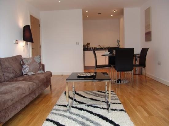 Quay Apartments: Loung