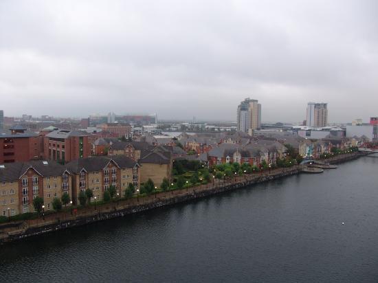 Quay Apartments: Views