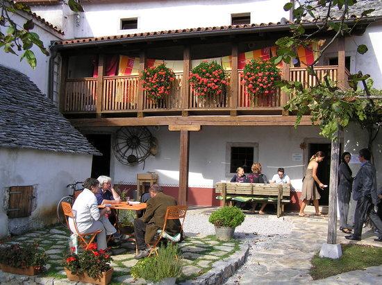 Youth Hostel Pliskovica