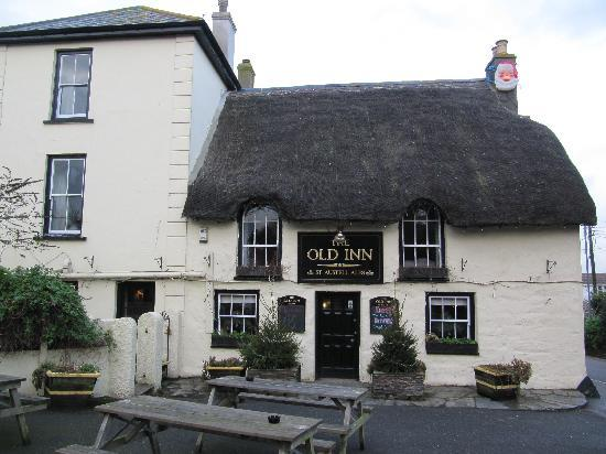 The Old Inn: Old Inn Mullion