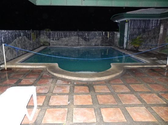 Mango Park Hotel: The Pool