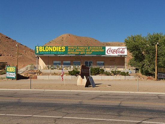 Blondie's Eatery And Gift: Blondies