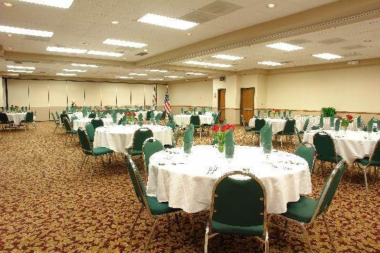Quality Hotel and Conference Center: Banquet Room
