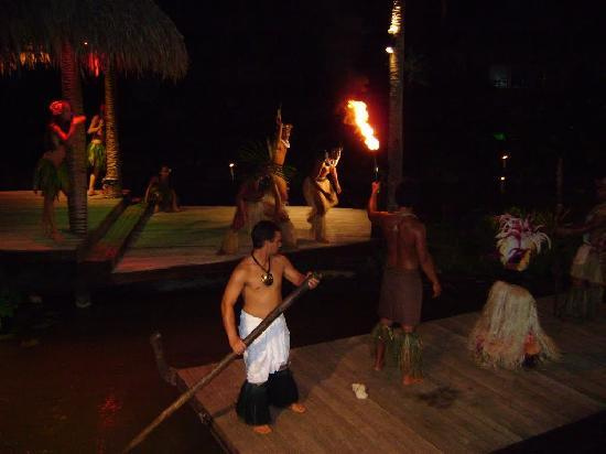 Te Vara Nui Village: The show