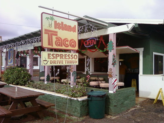 Island Taco : The front of this restaurant from the road.