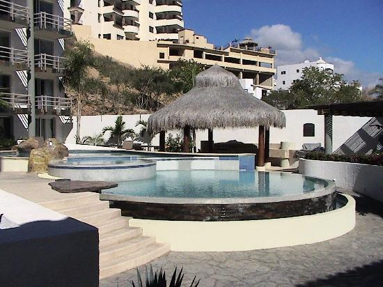 Plaza San Lucas Condominiums: Pool View