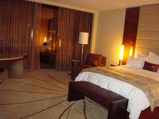 JW Marriott Marquis Miami: Bed