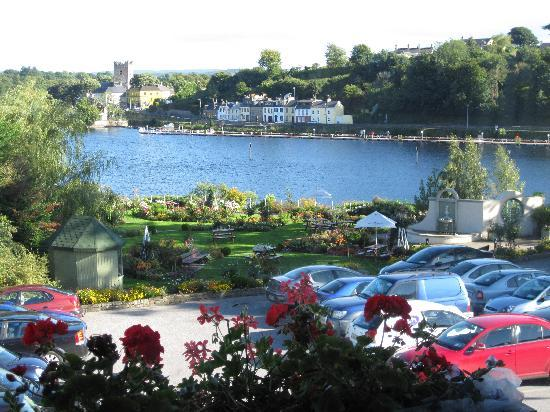Killaloe, Ireland: view from our room at the front of the hotel