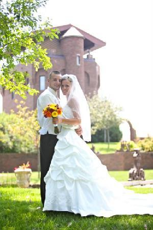 Castle Unicorn: Bride and Groom at Castle