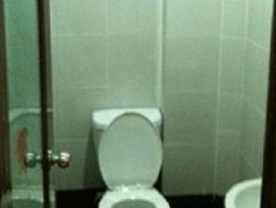 1 Baron Motel : Toilet