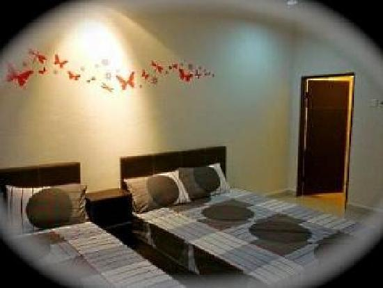 1 Baron Motel: Family Room (can add extra bed - 5 pax maximum)