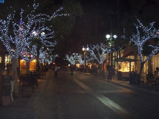 Santa Monica, Californien: 3rd Street Promenade by night