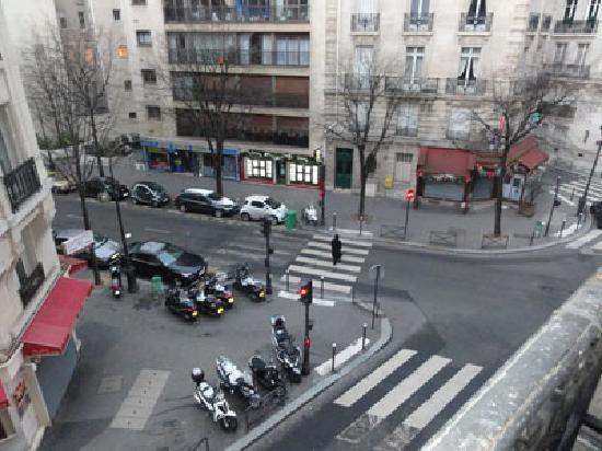 HotelHome Paris 16: 部屋の窓から見た風景