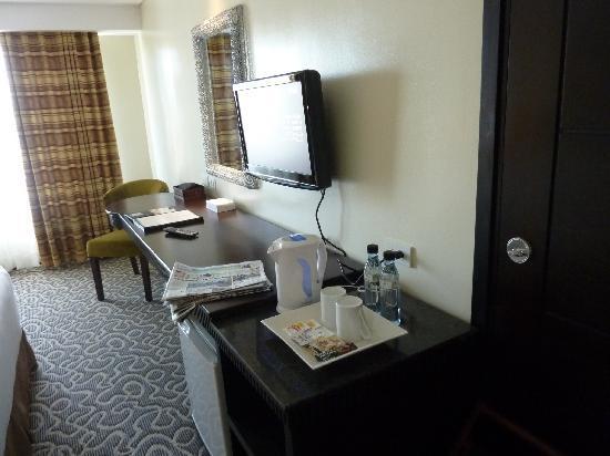 Hotel Elizabeth Cebu: spacious deluxe room