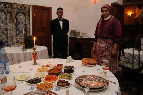 Restaurant dar hatim: 14 dishes!