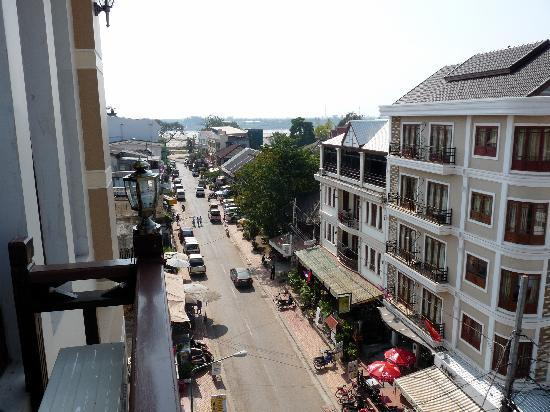Sinnakhone Hotel: view from room 503 towards the Mekong