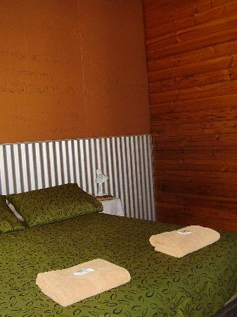 Territory Manor Motel and Caravan Park: Motel room inside