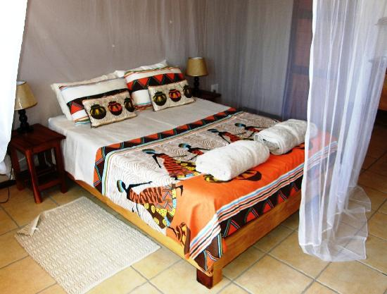 Bay View Lodge: All beds have proper mosquito nets