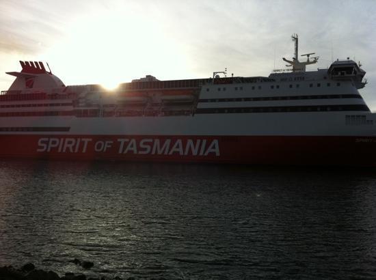the ship picture of spirit of tasmania devonport. Black Bedroom Furniture Sets. Home Design Ideas