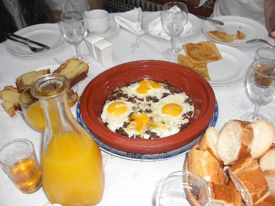 Riad Andalib : Delicious breakfast