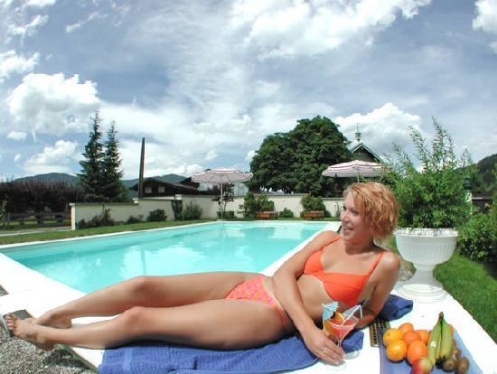 Hotel Pongauerhof: Relaxen am Pool