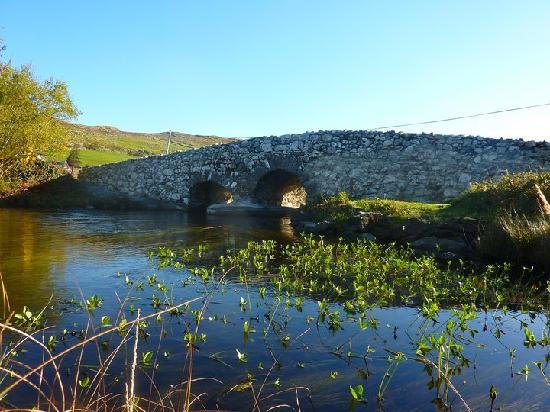 Connemara Country Cottages: The famous 'Quiet Man Bridge' that leads to the Cottages
